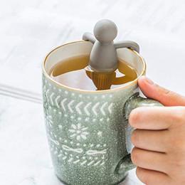 Creative humanoid tea leaking tea maker