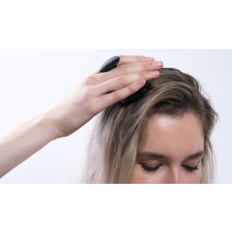 Makes hair washing easy, and improves the scalp