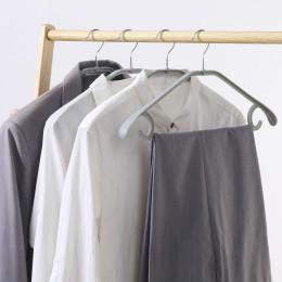 Hanger  with 3 multifunctional hangers