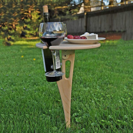 Removable outdoor wine rack