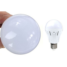 Intelligent sound and light control LED bulb
